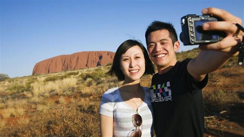 backpacker dating australia